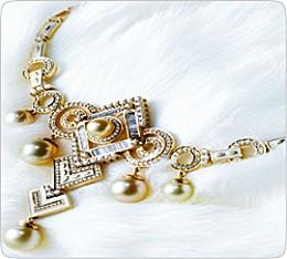 Культ личности, изящество и фьюжн: Новые тренды на рынке золотых украшений в 2012 году