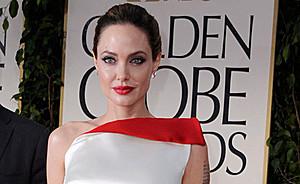 """Анджелина Джоли снимается в роли колдуньи в новой киноверсии мультфильма """"Спящая красавица"""""""