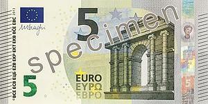 Европейский центробанк показал новую купюру в 5 евро
