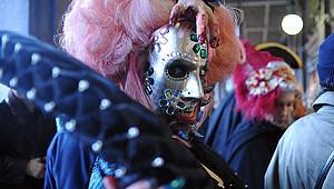Традиционный карнавал начинается в Венеции