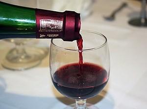 Ученые: употребляемый в праздники алкоголь полезен для здоровья