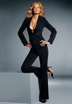 Власти Франции отменили запрет 1800г. на ношение женщинами брюк