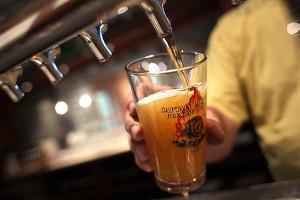 Исследование: 1,5 литра пива в неделю разрушают мозг
