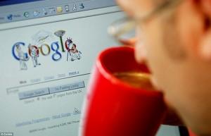 Россияне стали чаще искать новости в интернете, показал опрос
