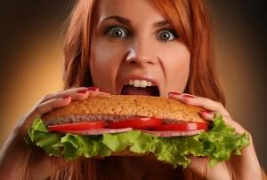 Hangry – новое английское слово, скомбинированное из hungry (голодный) и angry (сердитый)