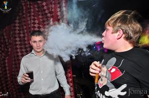 Как рестораны и бары провели месяц без курильщиков