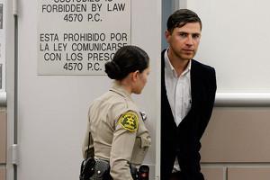 Журналист Седюк получил три года условно за нападение на Брэда Питта